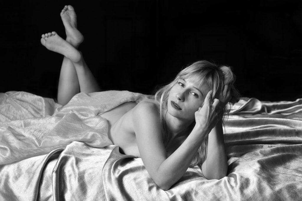 Erotica Bed Sex Sexy Exposure