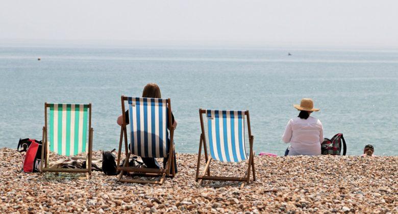 Deck Chairs Seaside Beach Sea  - ShepherdMedia / Pixabay